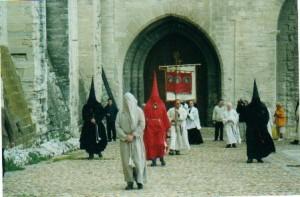 Maintenance des confréries à Avignon (2001)